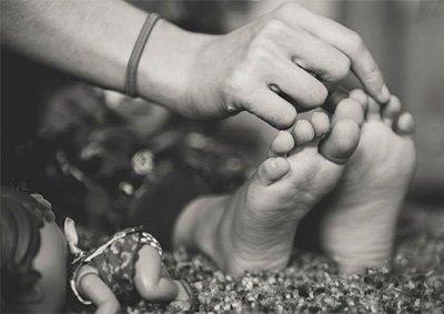 Os cuidados com os pés das crianças